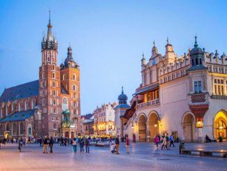 Chia sẻ kinh nghiệm du học Ba Lan: thuận lợi và khó khăn