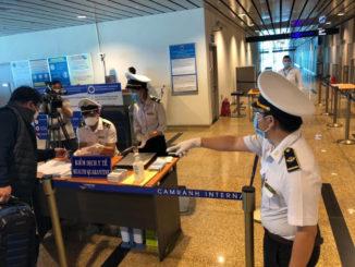 COVID-19: Việt Nam dừng cấp thị thực cho người nước ngoài từ 18/03